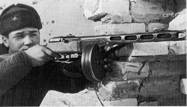 PPSH submachine gun seeing service on the Eastern front