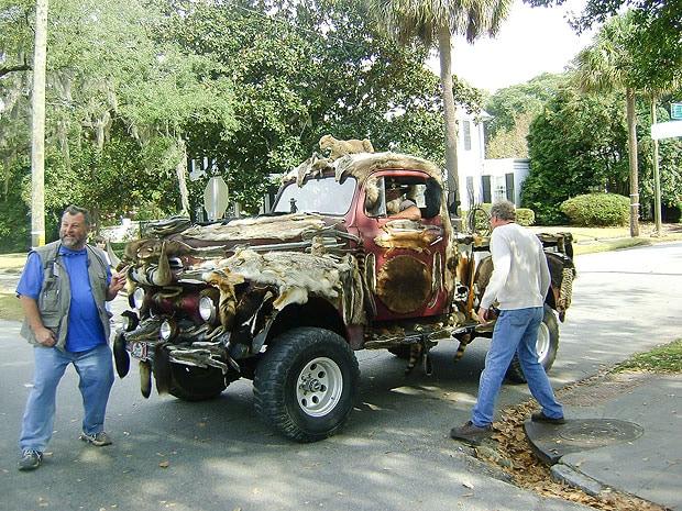 taxidermy truck 1