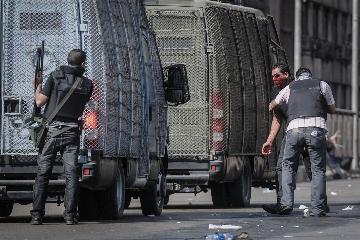 An officer was injured after a clash with the Morsi supporters.