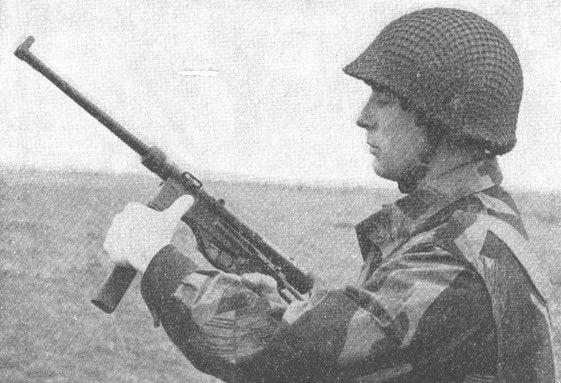 Milicien with Vigneron submachine