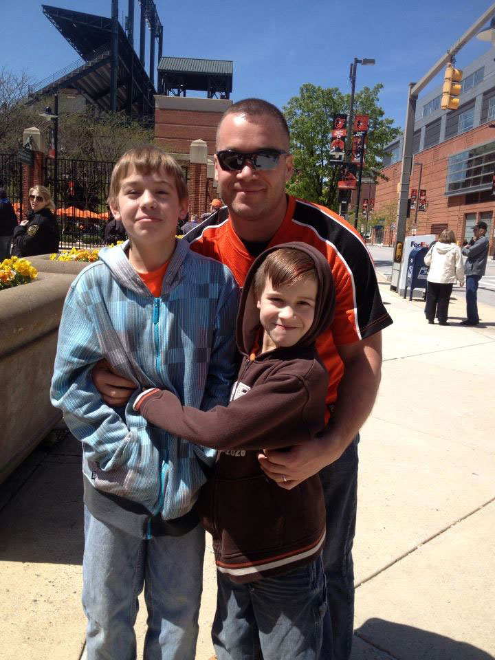 Matthew Pinkerton with his sons. (Photo credit: Facebook)
