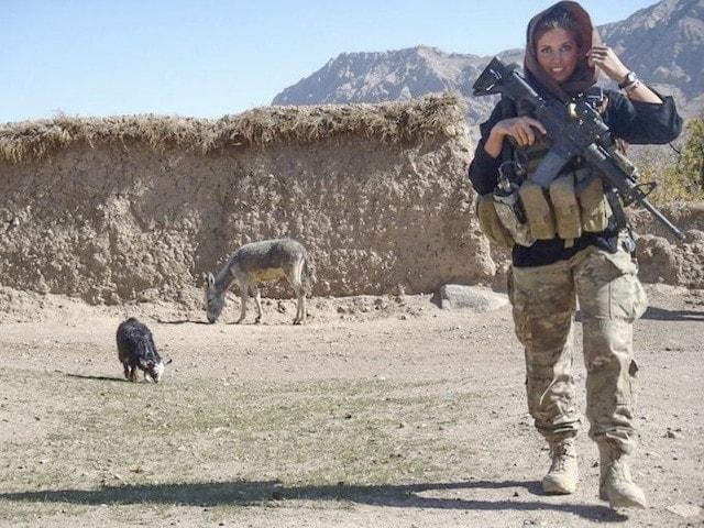 1387490223000-XXX-a-Rachel-in-village-in-Afghanistan