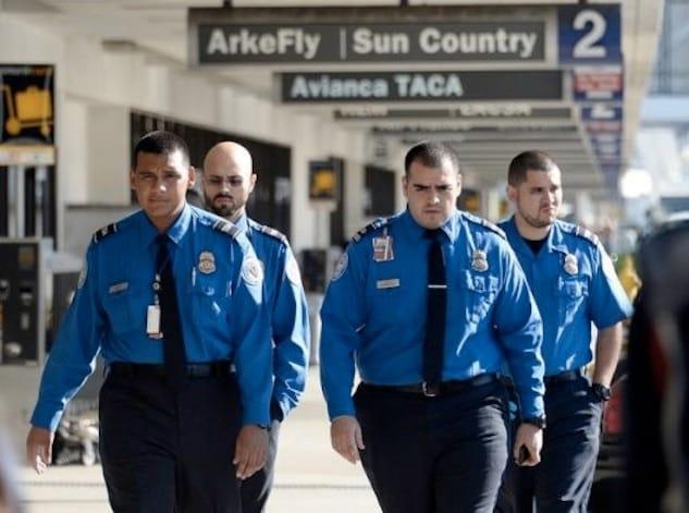 TSA-agents-495x368