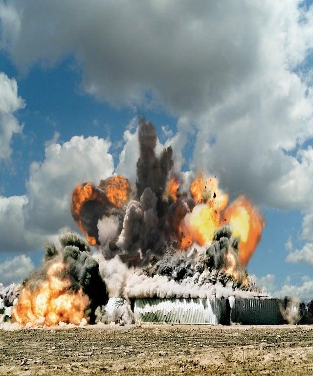 ueli-explosion-08