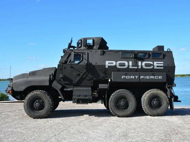 WPTV_Ft._Pierce_Armored_vehicle_3_20140107155117_640_480