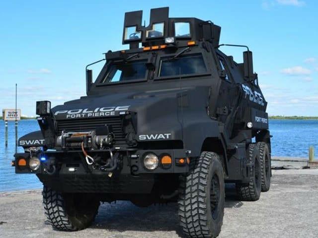 WPTV_Ft._Pierce_Armored_vehicle_4_20140107155123_640_480