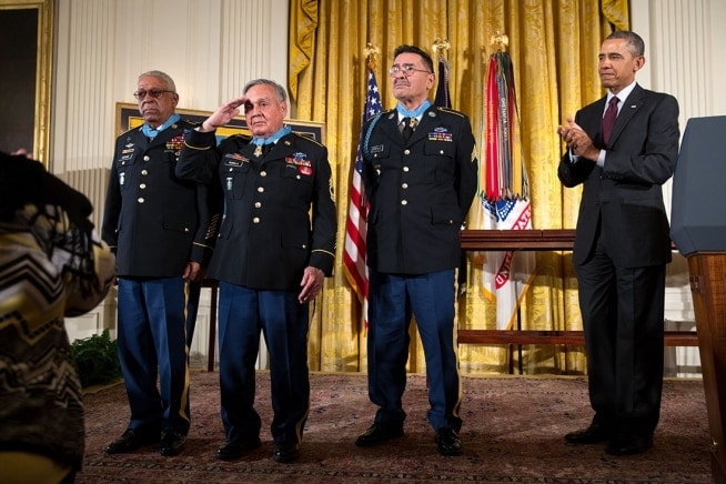 24 Medals of Honor