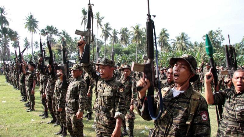 Moro Islamic Liberation Front rebels have been fighting the Philippine government for years and has access to weapons ranging from rifles to shoulder-fired missiles and rockets (Photo credit: Inquirer Mindanao)