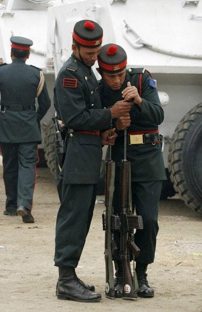 Nepali soldiers still using FN FALs in 2010.