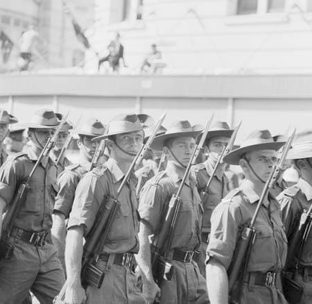 FAL rifle with Australian soldiers