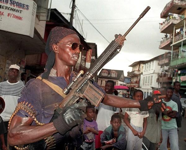 FN FAL in liberia