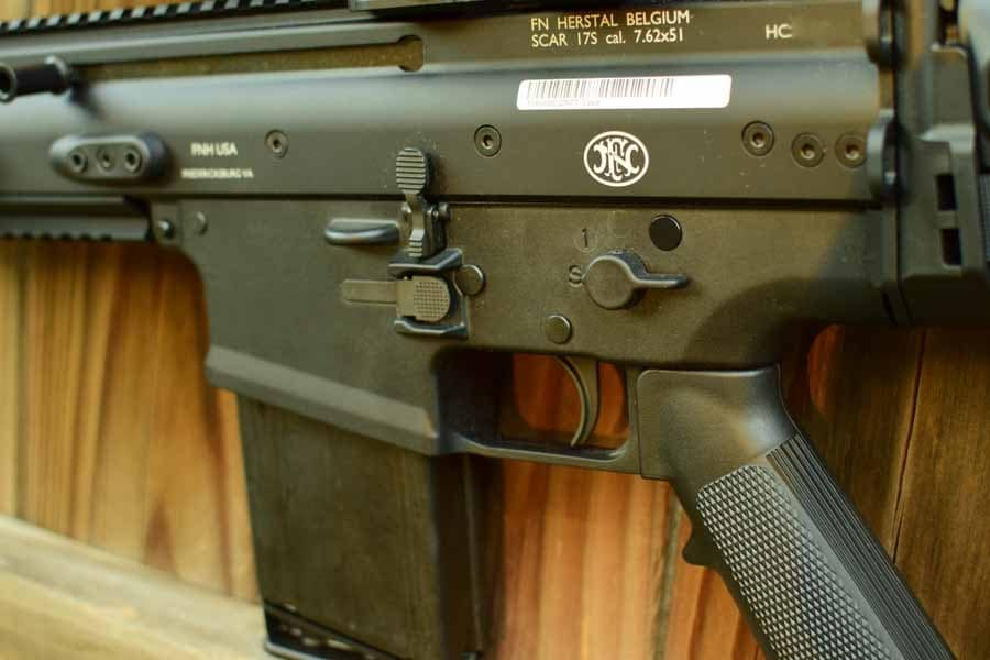 The SCAR's ergonomics are nearly identical to the M16's (Photo by: Jim Grant)