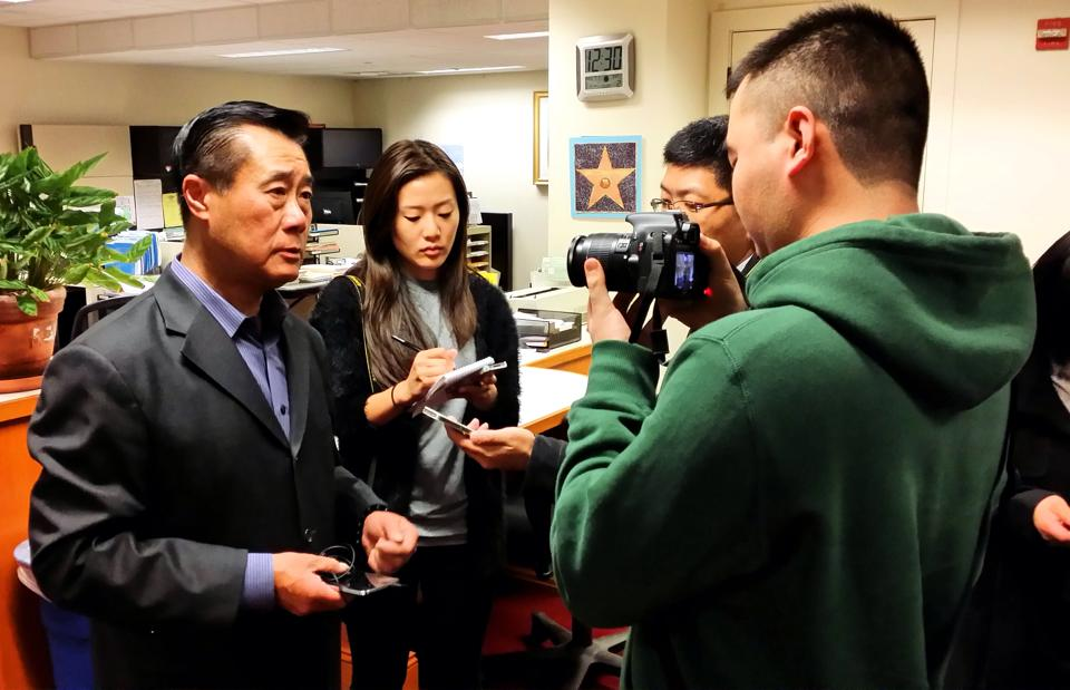 The same day Sen. Leland Yee, Keith Jackson and the agent put the finishing touches on the arms deal, he official files his papers for the California Secretary of State bid. (Photo credit: Leland Yee/Facebook)