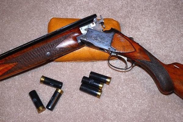 Superposed shotgun action