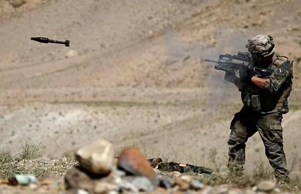 FAMAS rifle grenades
