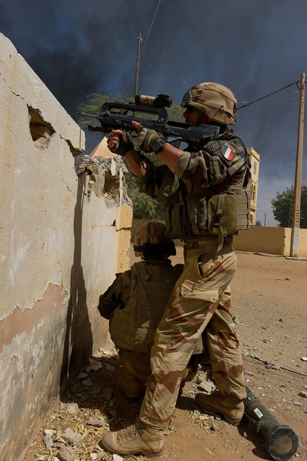 FAMAS with french military