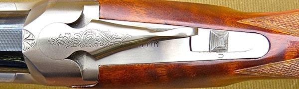 slector button on superposed shotgun