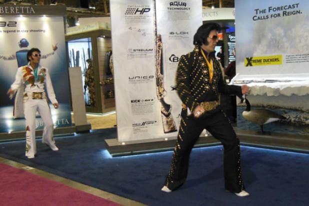 Elvis-vs-Beretta