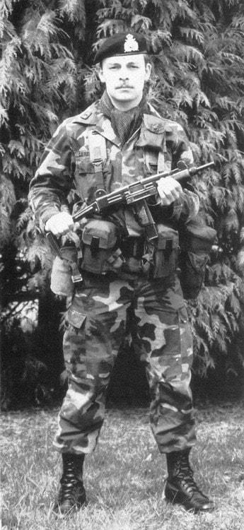 luxembourg army uzi