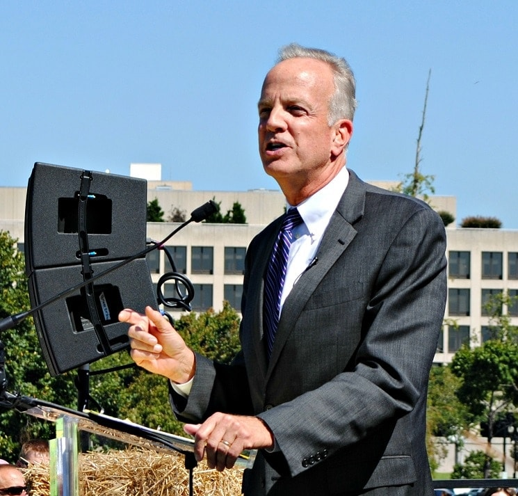 Sen. Jerry Moran (R-KS) is calling on the White House tell the UN that the Arms Treaty will not be ratified by the US Congress. (Photo credit: KS Corn)