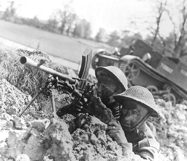 bren gun 1944