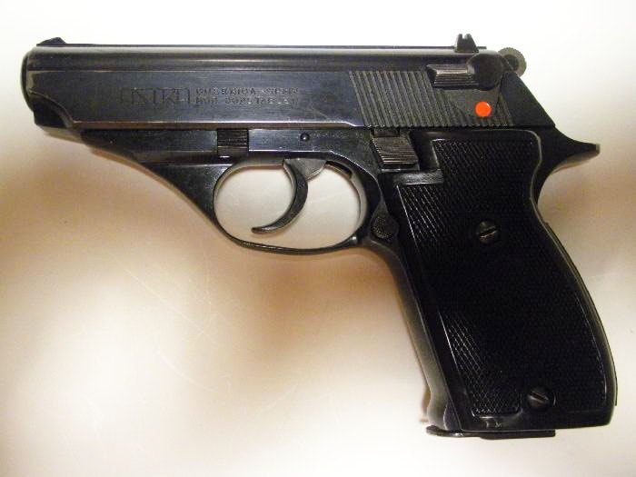 The Astra Constable, the worst gun I've ever owned, was my first CCW pistol. (Photo credit: GunAuction.com)