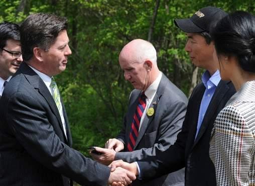 Justin Moon meets Lt. Gov. Jim Cawley (photo credit: Keith R. Stevenson/Pocono Record)