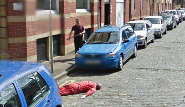 axe-murder captured on Google Street View (3)