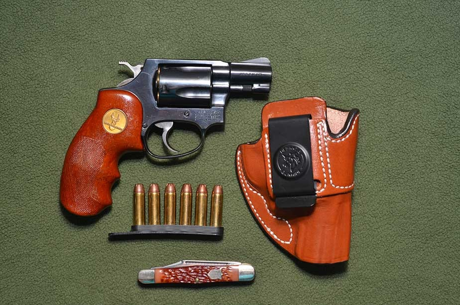 The classic .38 snub with leather, speed strip and pocket knife. A classic trio. (Photo: Kenny Hatten)