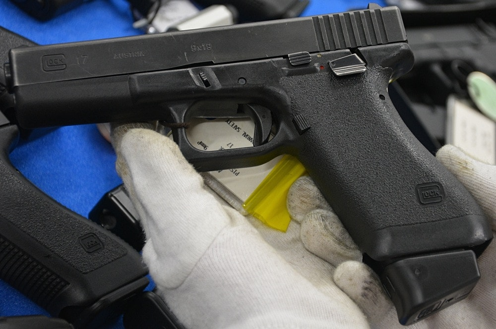glock 17 factory thumb safety