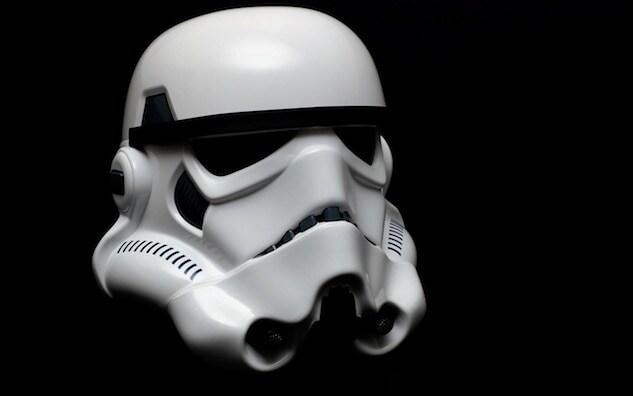 stormtroopers_helmet_wallpapers_12257-1280x800