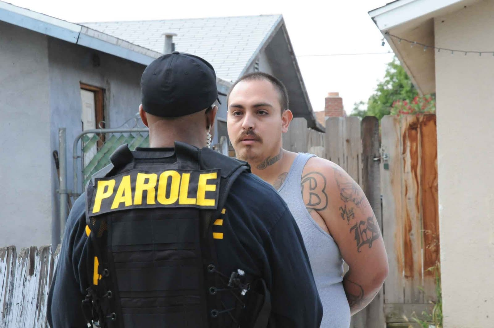 A California Department of Corrections and Rehabilitation parole agent arrests a parolee who is a suspected gang member in 2010. (Photo: CDCR)