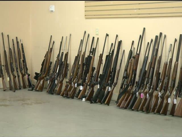 635518612689370009-guns-2-4-