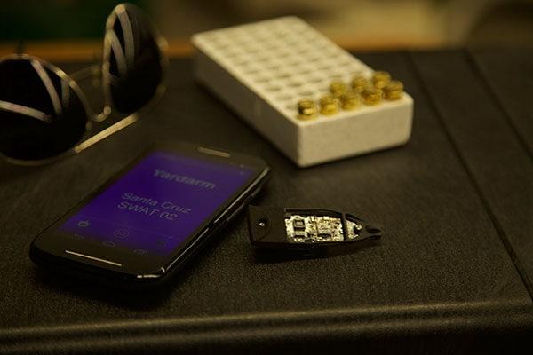 Yardarm gun tracking sensor