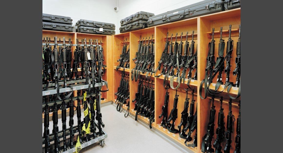 M4 rifles in a U.S. Border Patrol armory in Arizona. (David Taylor/Politico https://www.politico.com/magazine/gallery/2014/10/embedded/002083-029593.html#.VGTVsskrj5w )