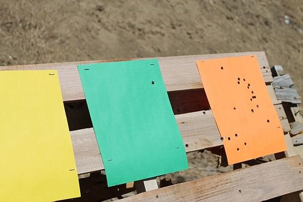 colored paper target discrimination