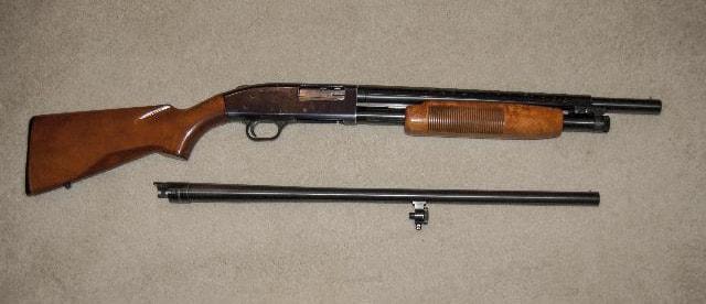 Mossberg 500 shotgun with long and short barrel
