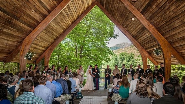 tdy_wedding_photo_wide_150525_deba3518aff5b65094460378d70384b7.today-inline-large