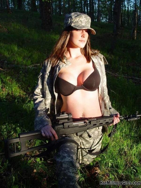 Hot huntresses-2