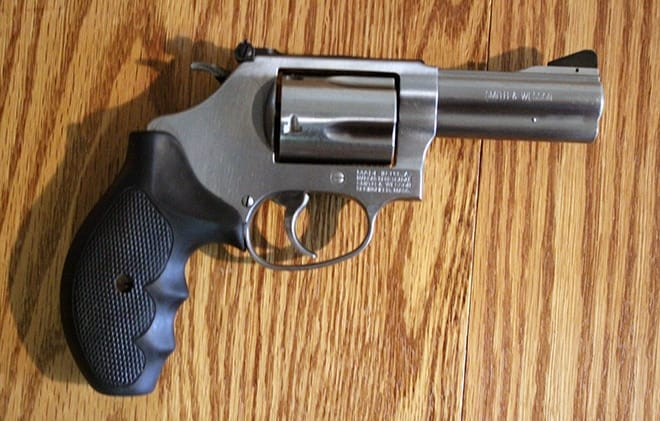 Smith-&-Wesson-M60-trigger