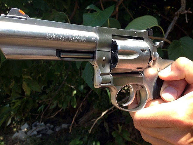 revolver-grip-thumb-placement