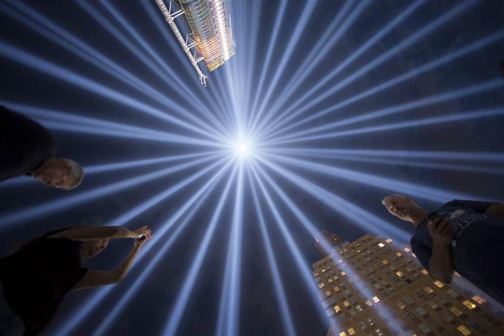 """People gather at the """"Tribute in Light"""" in lower Manhattan, on Sept. 9. (Photo: Reuters)"""