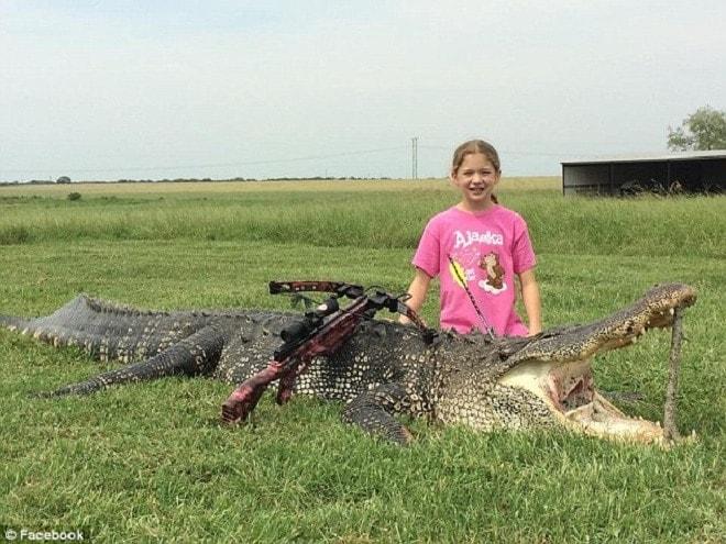 10-year-old Texas girl bags 13-foot alligator (4 PHOTOS) (4)