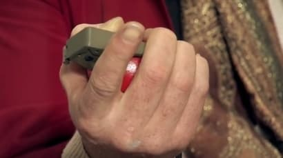 Mythbusters: How long can you hold a grenade (VIDEO)