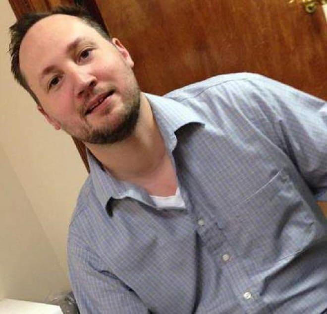 Prosecutor in NRA shirt case pulls gun on fake spider
