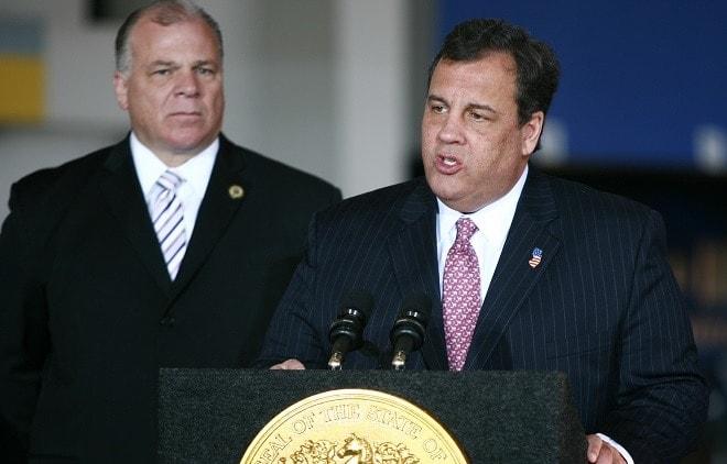 Republican defections lead to Christie veto override on gun bill