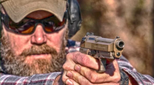 How does the new Beretta M9A3 9mm pistol compare (VIDEO)