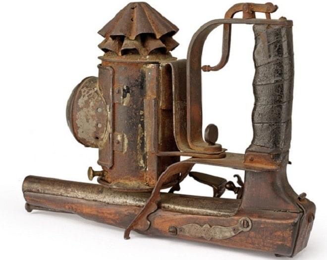 Want to buy 19th century Italian tactical pistol lantern (5 PHOTOS) (1)