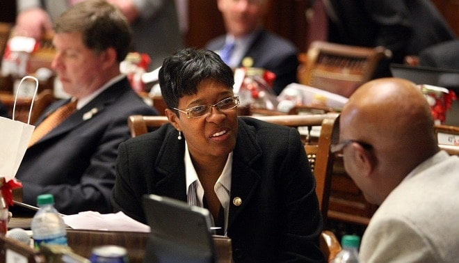 Lawmaker wants mandatory training for gun permits