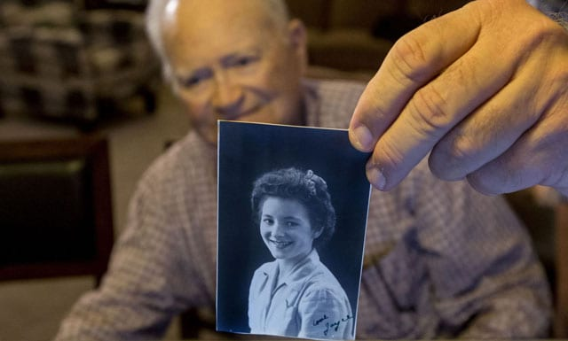 WWII vet reunited with wartime girlfriend